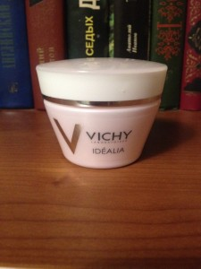 Крем Vichy Idealia Smoothing And Illuminating Cream Normal Combination Skin - банка