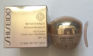 Крем для лица Shiseido Benefiance WrinkleResist 24 Day Cream SPF 15